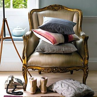Upcycle! 30 easy ideas from five-minute fixes to renovating furniture