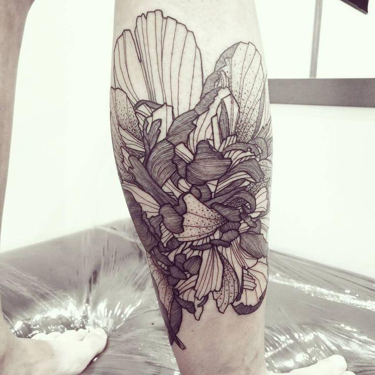 Wild Flower done @lilletattooconvention !  #wildstyleflower #wildflower #flowerstattoo  #fleur #tatouagedefleur #tatoueur #tattooer #tattooer #tattooartist #tattooart #tattoodesign #artistetatoueur #inkedbyguet #design #dotwork #dotworker #dotworktattoo #designtattoo #guet #graphism #graphictattoo #blackwork #blacktattoo #blackworker #blacktattooart #sorrymummytattoo #lilletattooconvention #tattrx #tttism