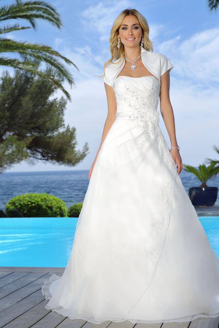 Ladybird Wedding Dress 716022 http://www.valkengoed.nl/