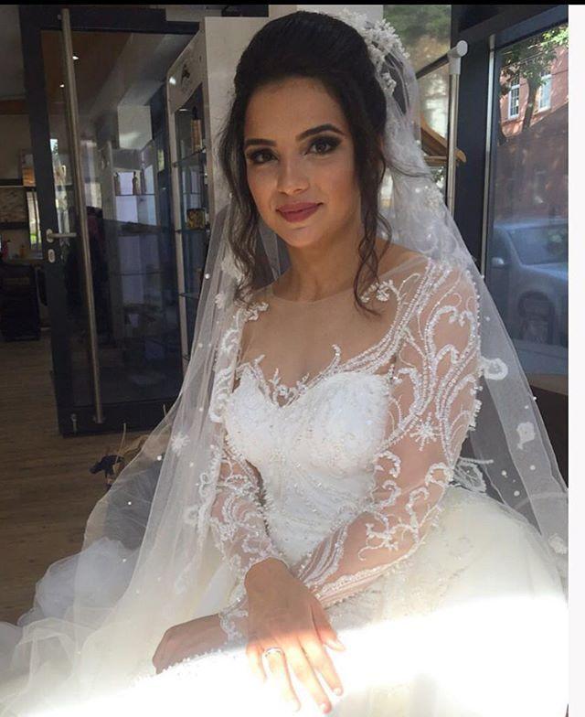 Avusturya, Viyanadan🇦🇹 gelen güzeller 👸🏽güzeli gelinim 👰🏽Serıfenin içinin güzellığı yüzüne vurmus, seni iyikı tanımısım, @serifebirkan bı ömür boyu mutluluklar😘😘😘prof fotolar daha sonra😎t#bride #bridal #weddingdresses #luxurywedding #couturewedding #wedding #dügün #dantel #gelin #gelinlik #lace #abiye #bruiloft #bruidsjurk #galajurk #handmade #custommade #arabweddings #abudhabi #kuwait #doha #dubai #belcika #almanya #hollanda #laperless