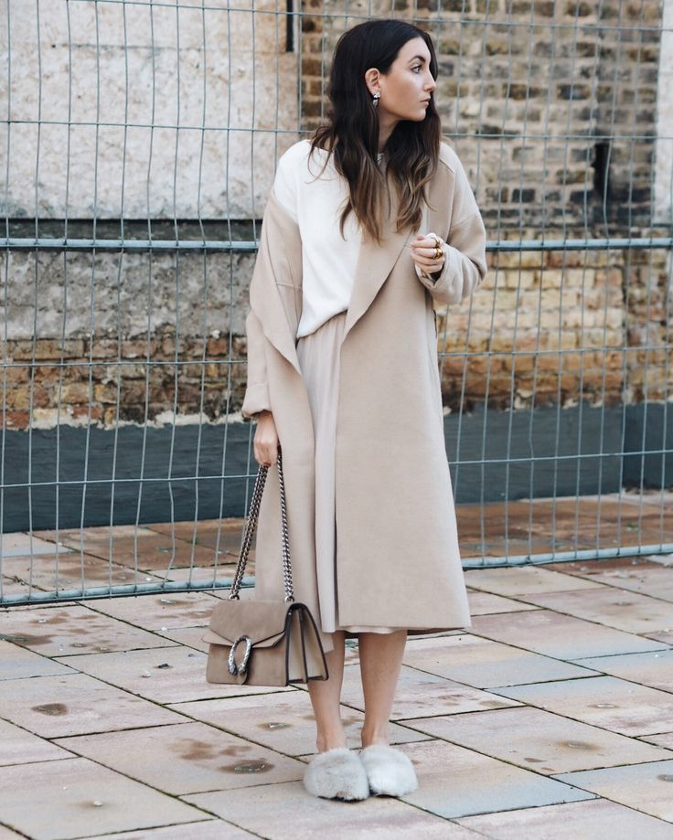 FALL SEASON MEANS CAMELCOAT SEASON  #camelcoat #coat #fall #streetstyle #fluffy #shoes #fakefur