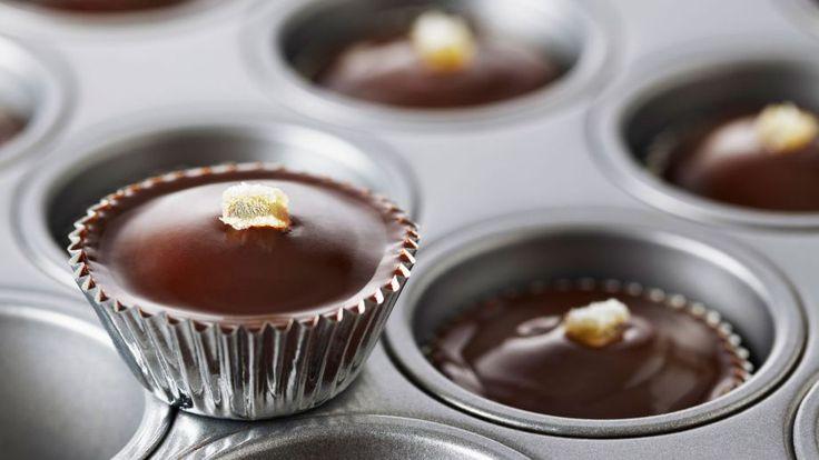 Mini magdalenas de chocolate y patata (Potato chocolate mini cupcakes) - Anna Olson - Receta - Canal Cocina
