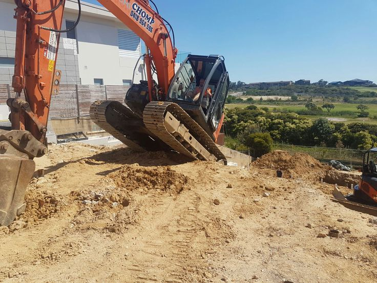 Specialist Excavation Contractor for site project with advanced machines of CHOMP. http://chomp.com.au/