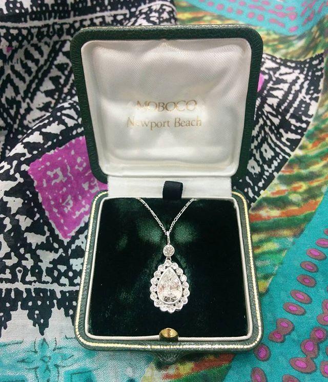 Beautiful handmade 1940s 1.84ct pear shaped pendant with a surrounding halo of eight cut diamonds #diamond #diamonds #necklace #1940s #jewellery #jewelry #halo #hattongarden #farringdonsjewellery