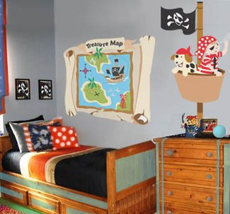 45 best images about pirate kids rooms on pinterest for Boys pirate bedroom ideas