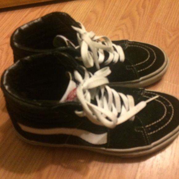 Skate high vans Skate high original vans suede black and white. Great condition basically new worn a few times.  Size: Men US 5.5 Women US 7 Vans Shoes Sneakers