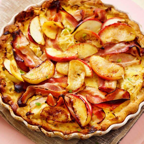 Zuurkooltaart met appel en spek . Hoofdgerecht, 4 personen