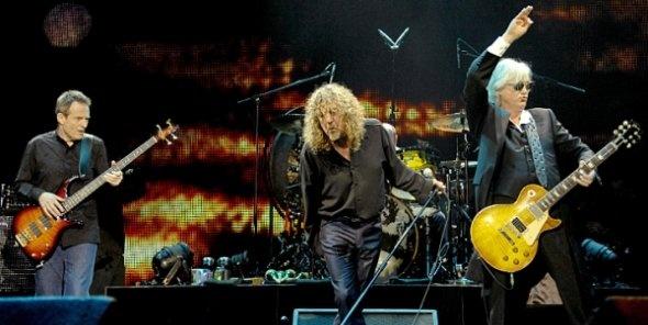 Still doin it in 2007, Robert Plant, Jimmy Page, John Paul Jones, and Jason Bonham  (Led Zeppelin).