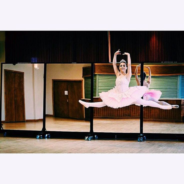Bronagh @bronaghoreilly  GET LIKING! for your favourite picture. The picture with the most likes WINS 2 tickets to the FINAL of Genée International Ballet Competition. Tag yourself if your in the pictures.