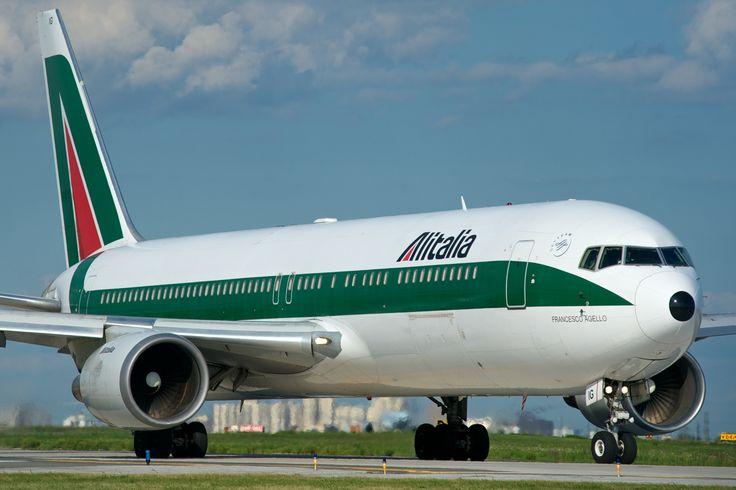 حجز الخطوط الإيطالية عبر الإنترنيت على رحلات. إبحث عن جداول رحلات الخطوط الجوية الإيطالية، مدة الرحلة وسافر إلى وجهتك المفضلة.  إستمتع الآن بعروض رائعة وأفضل الصفقات بحجز الخطوط الجوية الإيطالية عن طريق خيارات الدفع السهلة المتوفرة لدينا https://www.rehlat.com.eg/ar/airlines/italy/alitalia-airlines-booking/