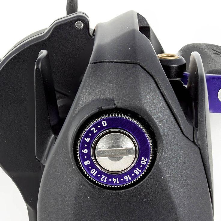 Daiwa ProRex 100 HSLA Baitcast (Linkshand): Kräftiger Raubfischjäger mit High-Speed Übersetzung für eine perfekte Köderkontrolle! Technische Daten: 215g Eigengewicht / 5 Kugellager / 7,3:1 Übersetzung / 0,32mm/135m Schnurfassung / 77cm Schnureinzug / 5kg Bremskraft