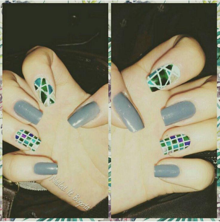Asymmetrical nail design #Gray #Green