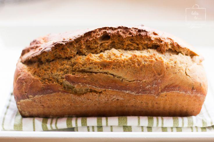 Chleb na piwie z tymiankiem i francuską musztardą