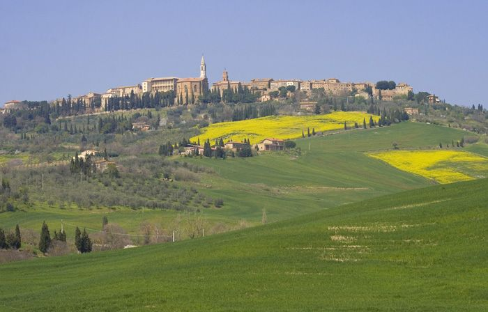 In Tuscany, about 50 km southwest of Siena, Pienza is at the top of a hill that overlooks the Orcia and Asso Valleys. The little town of Pienza was built over the medieval village of Corsignano on the inititative of one of its residents, Enea Silvio Piccolomini, who was later promoted to pontifical status under the name Pius II (1458-1464).