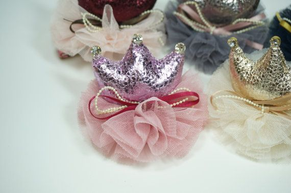 Check out this item in my Etsy shop https://www.etsy.com/listing/229830421/lace-crown-hair-clip-with-rhinestone