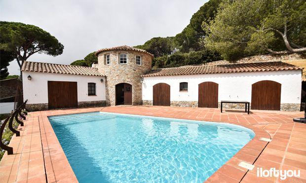 #proyectosariera #iloftyou #interiordesign #sariera #begur #girona #costabrava #lowcost #catalunya  #navy #navystyle #marinero #estilomarinero #exterior #terraza #jardín #chillout