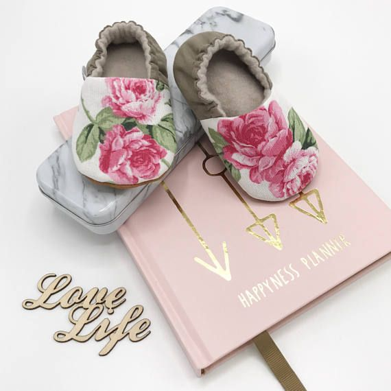 Babyshoes with Roses Romantic Babymoccs Softsole cribshoes