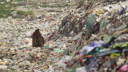 Zowat 1,7 miljoen jonge kinderen sterven elk jaar voortijdig door milieuvervuiling en andere milieuproblemen. Dat zegt de Wereldgezondheidsorganisatie (WHO) in een rapport over de effecten van het milieu op de gezondheid van kinderen. Het sterftecijfer vertegenwoordigt meer dan een kwart van alle sterfgevallen van kinderen jonger dan vijf jaar.