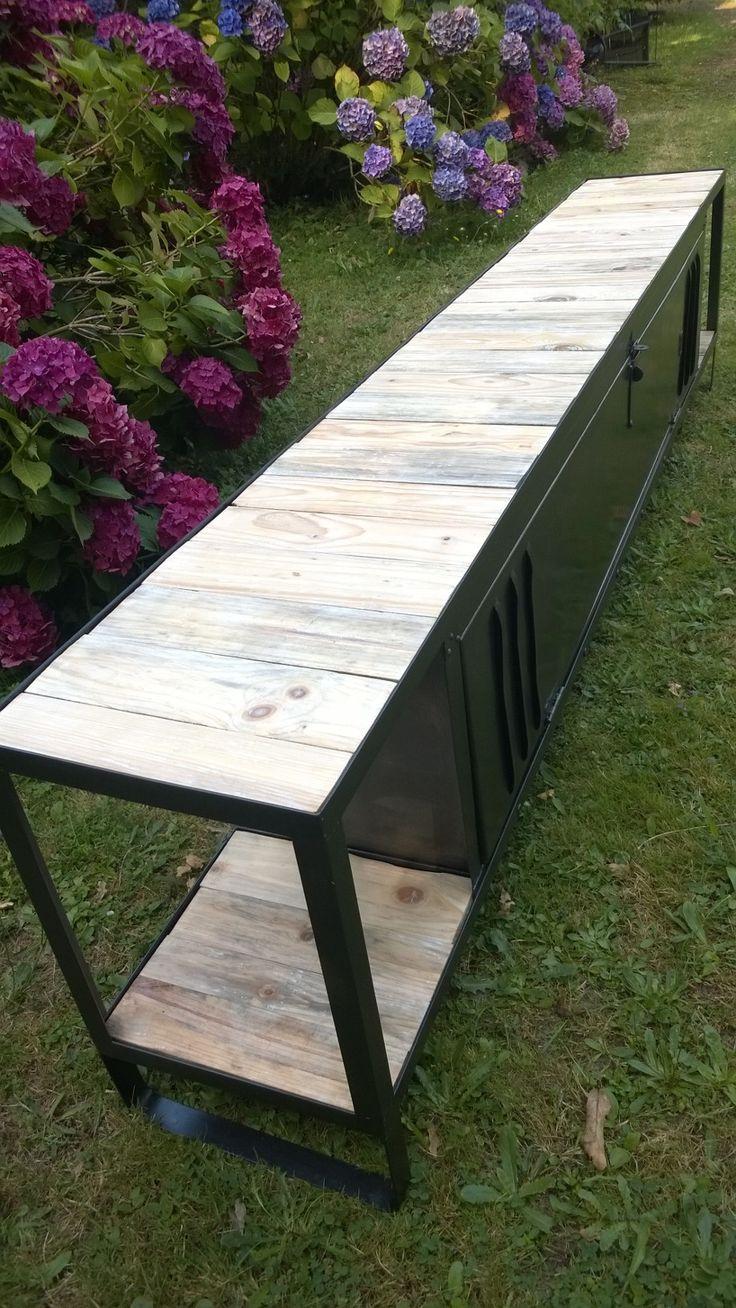 25 best ideas about meuble tv industriel on pinterest. Black Bedroom Furniture Sets. Home Design Ideas