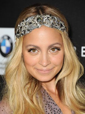 #NicoleRichie rocking one of her famous boho-chic headpieces. #celebrity #springtrends