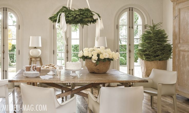 PAM PIERCE, FOUNDER & EDITOR IN CHIEF'S HOME DECORATED FOR THE HOLIDAYS FEATURED ON MILIEU-MAG.COM: