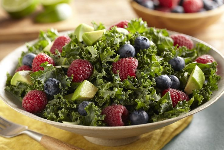 Raspberry and Blueberry Kale Salad www.driscolls.com#DriscollsSweepstakes