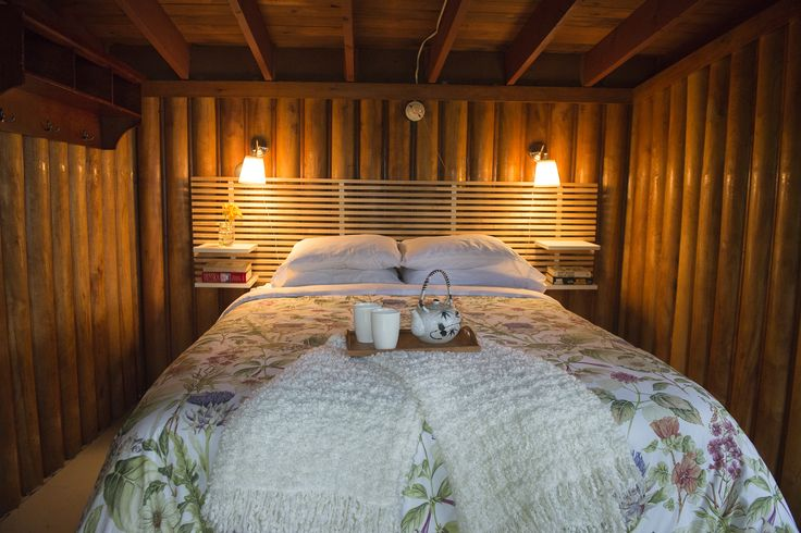 Sleep Cabin - Privacy, Quiet, Romance, and Coffee in bed!