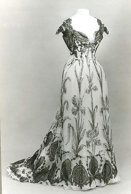 Dress Date: 1899 Culture: French Medium: silk.   jαɢlαdy