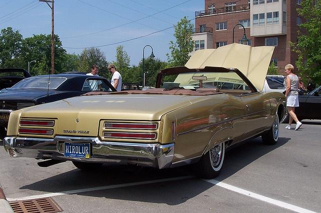 Pontiac Grandville (2)    Car photo
