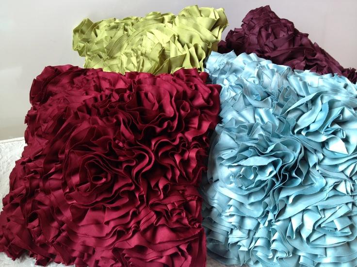 1000 ideas about cojines decorativos para sala on for Como hacer espejos decorativos