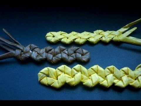✽ В этом видеоуроке вы научитесь плетению зубатки из бумажных трубочек. Зубатка часто используется для обработки края плетеного изделия. ✽ Ссылка на этот уро...