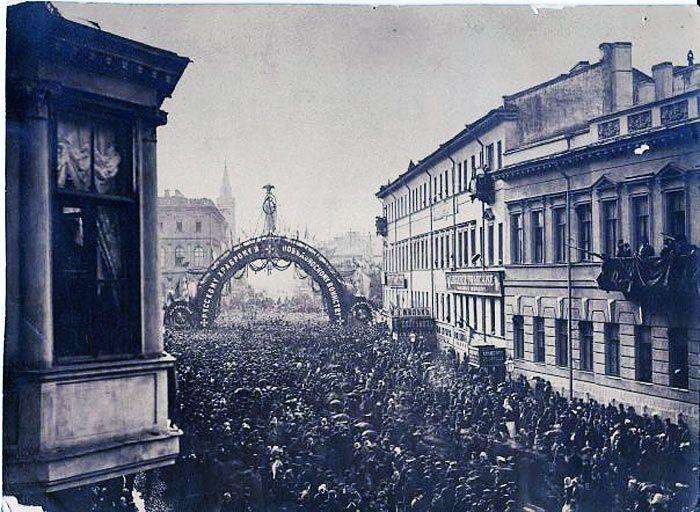 Возвращение воинов с Русско-Турецкой войны 1878 г. ул. Б. Морская.