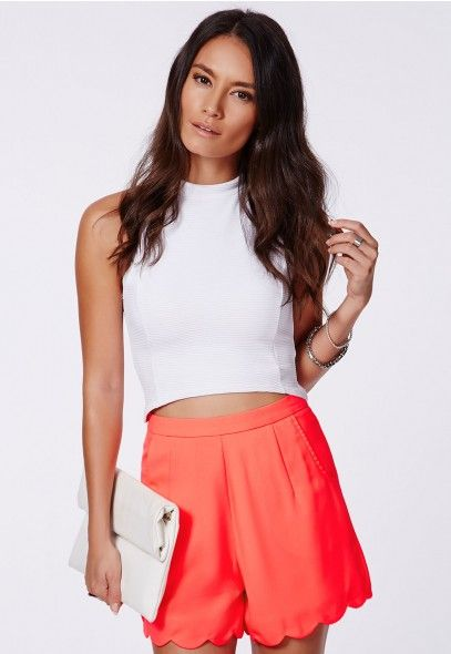 Luisina High Waisted Scalloped Shorts - Tailored Shorts - Missguided