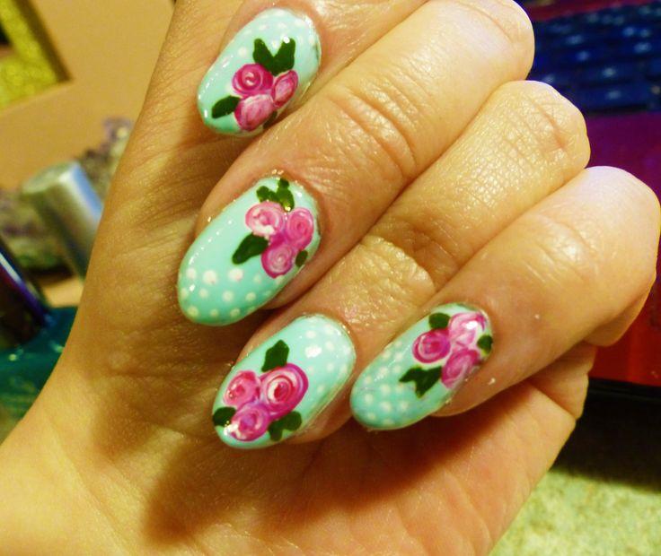 www.berylli.fi #nail #art #nailart #rose #ruusu #kynnet #kynsikoristelu #romantic #romanttinen #valentine #ystävänpäivä #kauneus #muoti #dots #pilkut