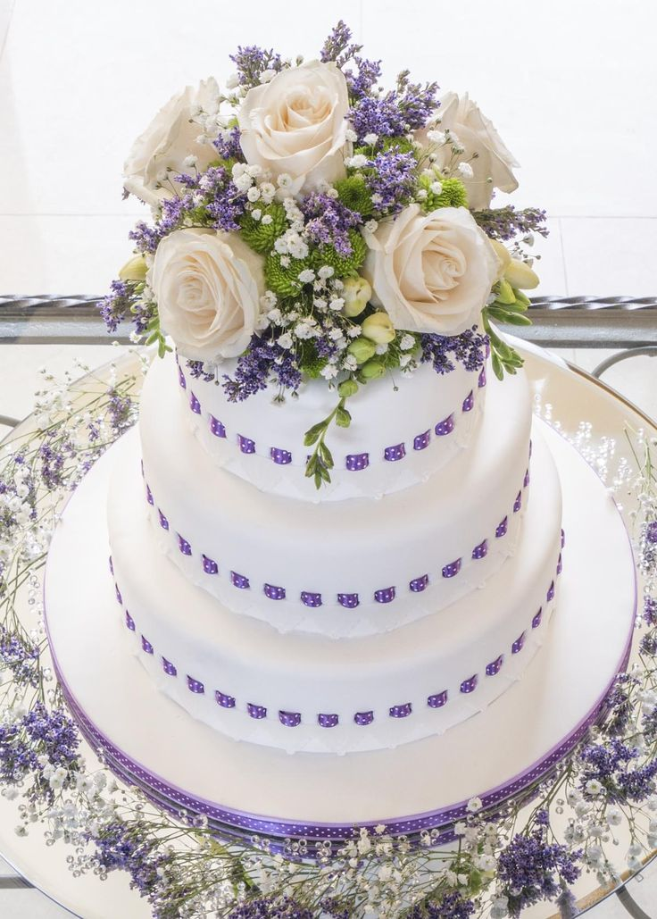 1000+ images about Cakes on Pinterest Wedding cake ...
