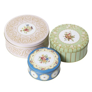 Regency Cake Tins featured in the Great British Bake Off Sport Relief episodes!