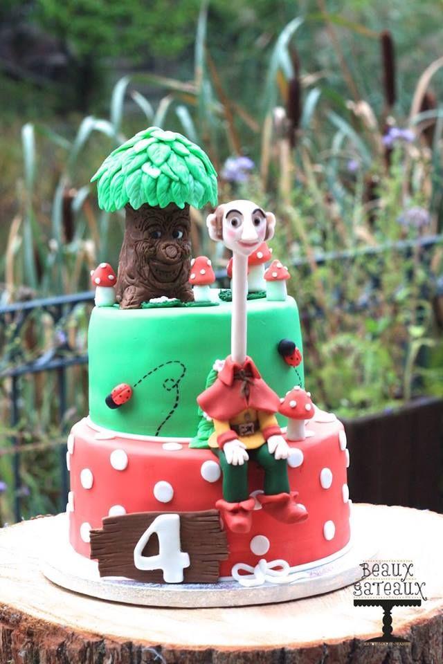 Deze toffe Sprookjesboom taart was speciaal gemaakt voor de 4e verjaardag van Finn!