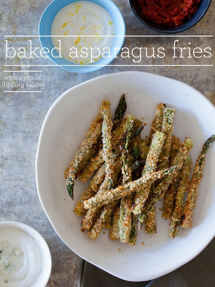 Baked Asparagus Fries with a trio of dipping sauces: Healthy Dips For Veggies, Food Ideas, Asparagus Fried, Baking Asparagus, Dips Sauces, French Fried, Baked Asparagus, Three Dips, Parties Food
