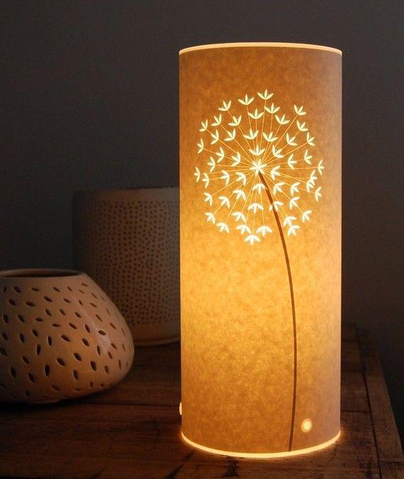 Pequeña lámpara de tabla del Allium por Hannahnunn en Etsy