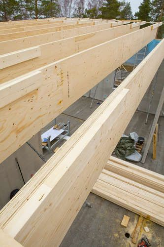Metsä Wood's Kerto-Qp is a wooden roof beam suitable for low energy buildings with high insulation properties. Kerto-Qp roof beam is unique, thin and high but stiff.