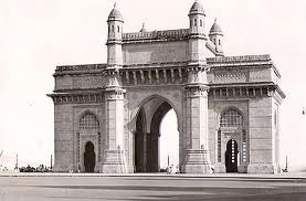 Gate way of India is considered as the heart of Mumbai. This intimidating Gateway is designed to welcome visitors who are approaching by boat.