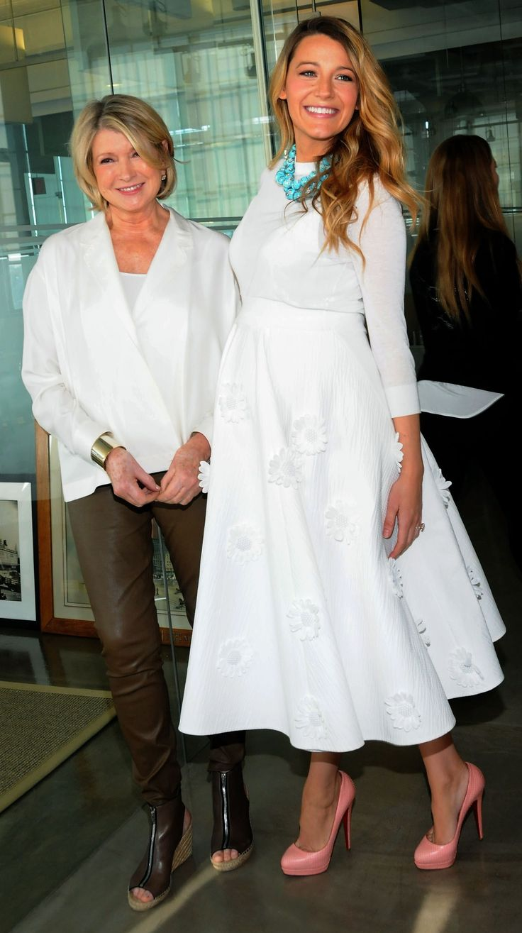 Another fabulous maternity outfit from Blake Lively (in Michael Kors with Martha Stewart)