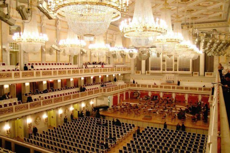 Schauspielhaus Berlin, 1821, Karl Friedrich Schinkel, architect   It is now known as the Konzerthaus Berlin