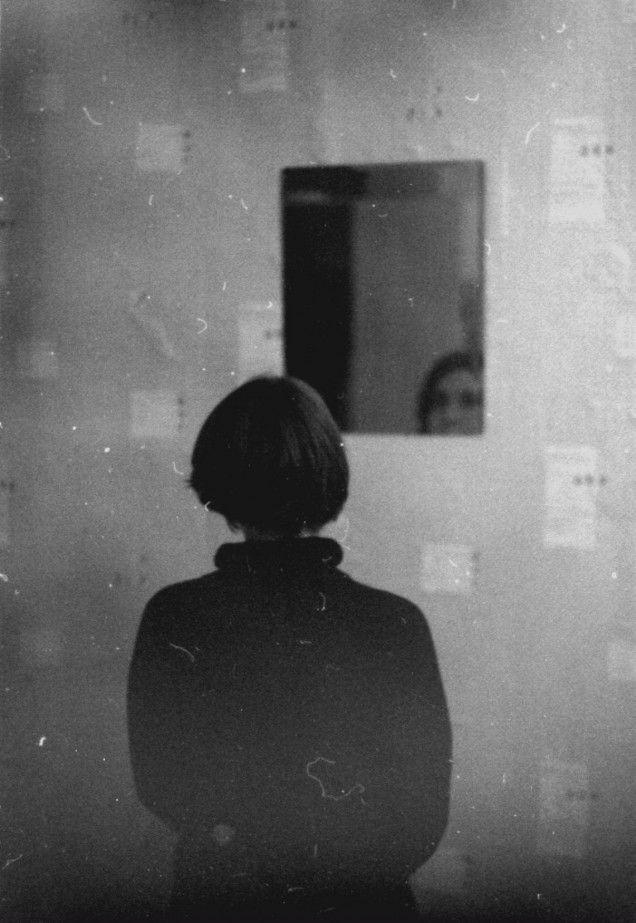Plus de 1000 id es propos de reflet dans le miroir for Reflet dans le miroir