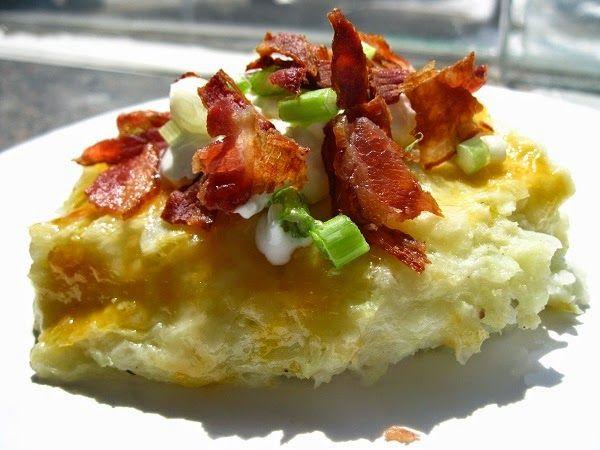 "Casserole de chou-fleur façon patate au four garnie / Cauliflower loaded baked ""potato"" casserole"