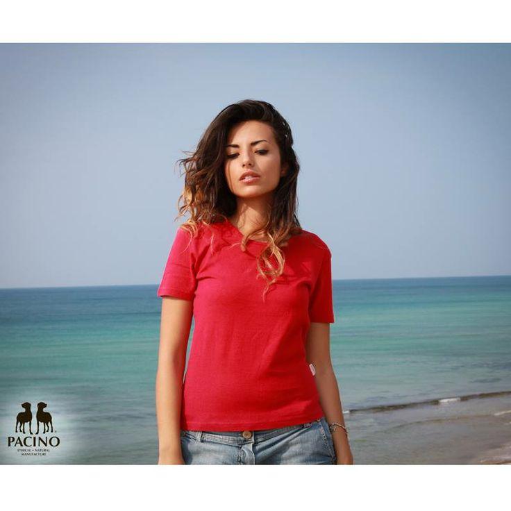 T-shirt a manica corta Donna PACINO PTS972 Rosso Pomodoro 55% #Canapa Biologica 45% Cotone Biologico. La particolare struttura della fibra di canapa rende il tessuto di questa t-shirt molto traspirante: assorbe il sudore senza lasciare cattivo odore ed è molto piacevole da indossare durante l' #estate o per svolgere attività fisica durante tutto l'anno. #clothing #tshirt http://www.bottegadellacanapa.com/product/129/PTS972-T-shirt-a-manica-corta-Donna-PACINO.html