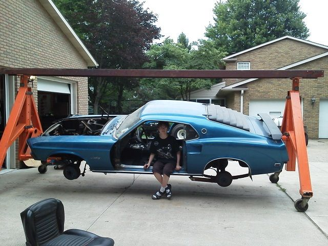 Car spinner man woman cave pinterest cars for Garage auto fab ennery