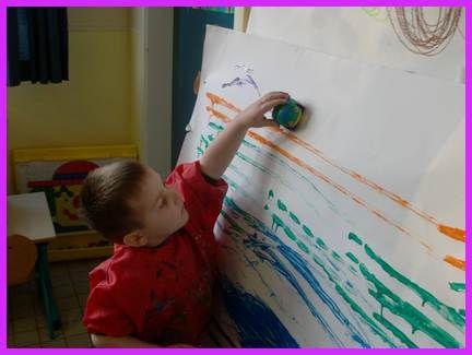 Ecole CAMUS Maternelle Wattrelos - Les petits apprennent à faire des lignes horizontales(suite )