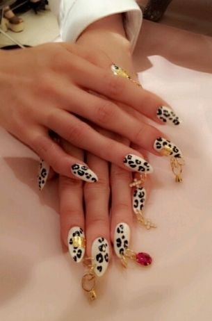 exotic nail art designs while most sophisticated looking nail art designs require