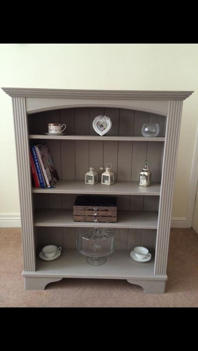 Solid pine bookcase, hand painted in Autentico chalk paint White Pepper